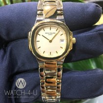 百达翡丽  (Patek Philippe) Ladies Nautilus 4700 27mm 18k Yellow-Go...