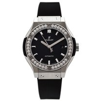 Hublot Classic Fusion Titanium Diamonds Automatic 33 mm