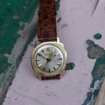 Bulova Accutron A-Symetric 14k solid gold non-spaceview tuning...