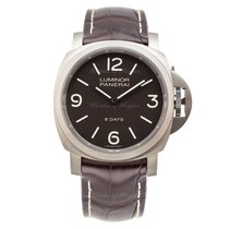 Panerai Luminor Base 8 Days Titanio 44 mm