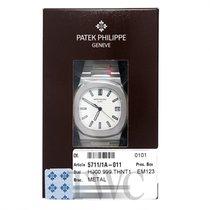 パテック・フィリップ (Patek Philippe) Nautilus Silvery-white/Steel 40mm...