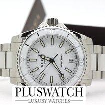 Gucci Dive White Dial YA136402 T