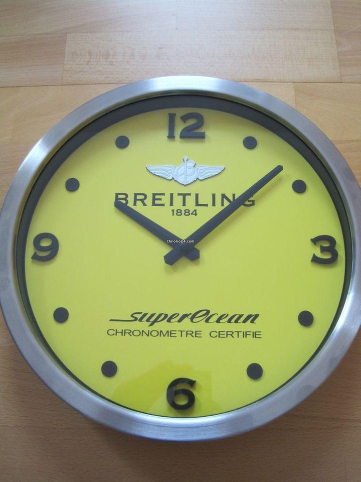 Breitling Superocean Dealer Wand Uhr Gelb For 912 For Sale From A