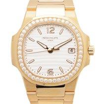 Patek Philippe Nautilus 18k Rose Gold Gold Quartz 7010/1R-011