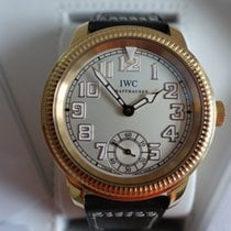 IWC Pilots Watch Hand-Wound in Rosegold with B&P