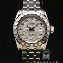 튜더 (Tudor) 22010