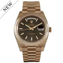 Rolex Day Date 40mm Everose Gold Chocolate Dial 228235 NEW
