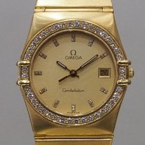 Omega --- Vintage 18k Yellow Gold Mid-size Constellation W/...