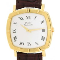 Piaget Cushion Altiplano In Yellow Gold And Leather, 31x32mm