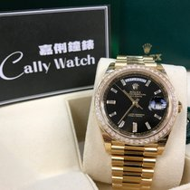 Rolex Cally - 228398TBR Day-Date 40 mm Yellow Gold Black Dia...