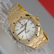 Audemars Piguet Royal Oak Selfwinding 18K Yellow Gold Watch