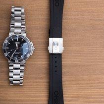 Oris Aquis Date steel bracelet and rubber strap