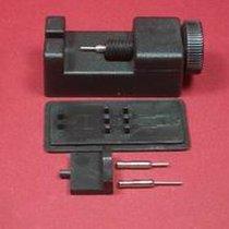 Schwarzes Werkzeug zum kürzen von Metallarmbänder