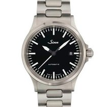 Sinn 556 I with steel bracelet NEW