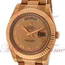 Rolex Day-Date II Presiden 41mm, Champagne Dial, Fluted Bezel...