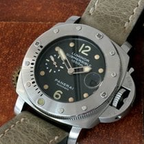 Panerai Luminor 1950 Submersible PAM 00243 Tritium Dial