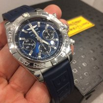 Breitling Chronomat 44 B01 (2011) with 2 option band
