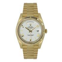 Rolex Day-Date 40 18K Yellow Gold President White Roman Dial