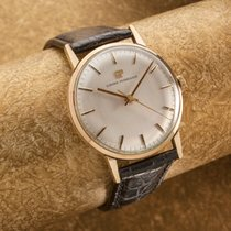 Girard Perregaux solid 9 ct gold gents dress watch