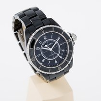 Chanel J12 H0685 top condition box and german papers