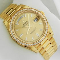 Rolex Day Date 40mm 18kt Yellow Gold Diamond Bezel 228348