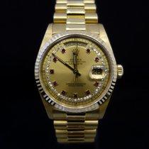 Rolex Day-Date oro giallo quadrante con diamanti e indici rubini