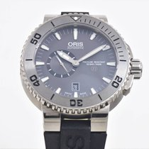 Oris Aquis Titan with Strap and Bracelet