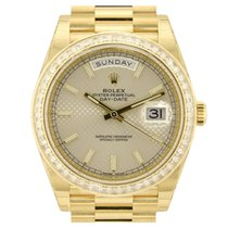 Rolex Day-Date 40 Yellow Gold Diamond Bezel Silver Diagonal Dial