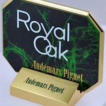 Audemars Piguet 8 Deko Aufsteller aus Metall mit Metallfüßen