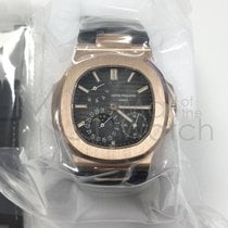 パテック・フィリップ (Patek Philippe) Nautilus 5712r-001 – Sealed