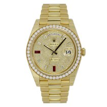 Rolex DAY-DATE 36 Yellow Gold President Pave Diamond Dial
