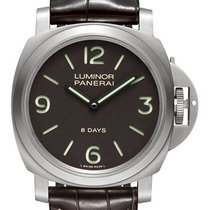 Panerai Luminor Base 8 Days Titanio 44mm PAM00562