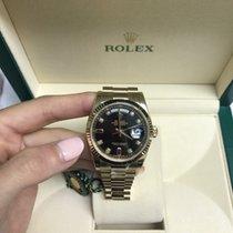 Rolex DAY-DATE 118238 BLK 8 DIAMOND 2 RUBY