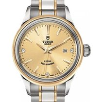 Tudor Style 12103 Champagne Diamond & Index Yellow Gold...