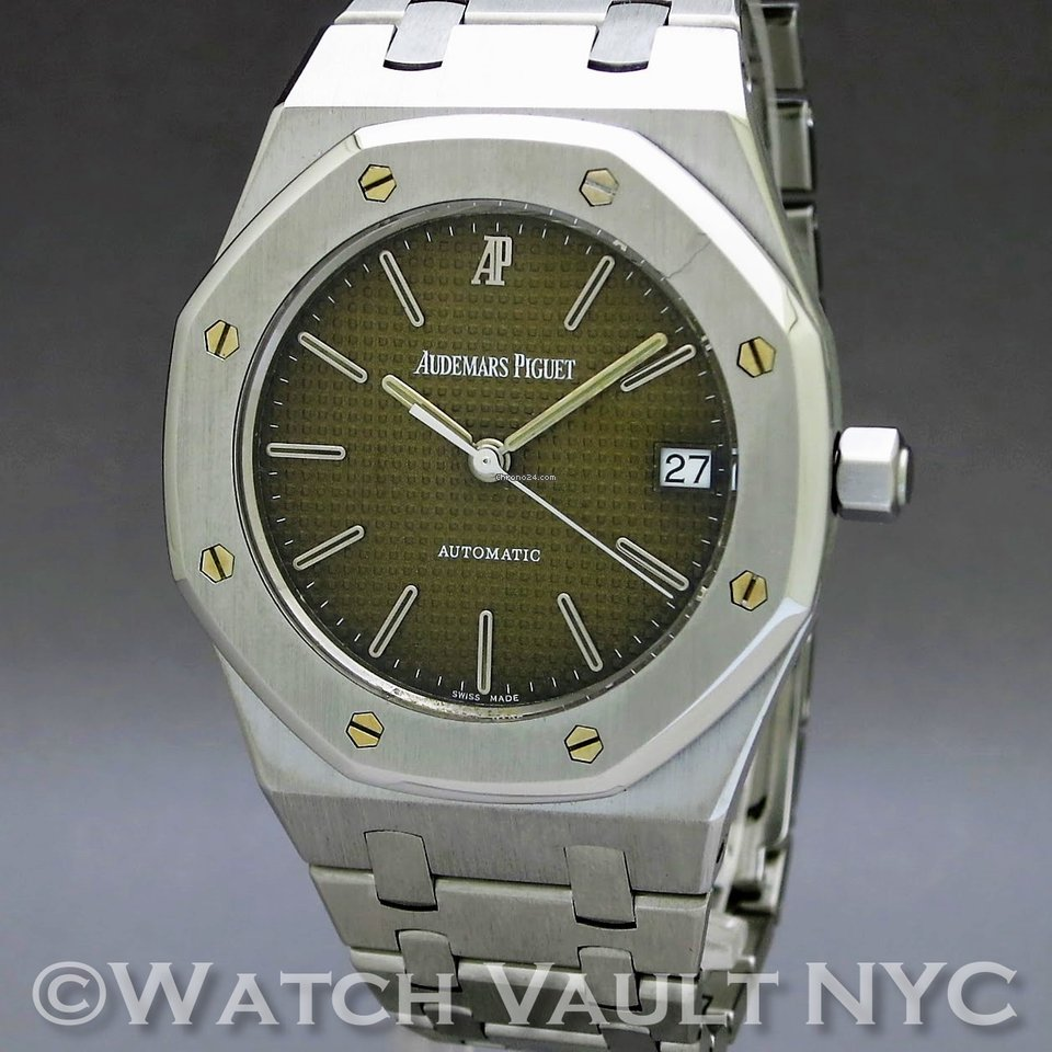 Audemars Piguet Royal Oak for $12,899 for sale from a Trusted Seller on  Chrono24