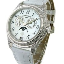 Patek Philippe 4937G Ref 4937G Annual Calendar in White Gold...
