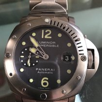 파네라이 (Panerai) Luminor Submersible