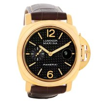パネライ (Panerai) Luminor Marina 44mm 18k Yellow Gold Watch...