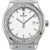 Hublot Classic Fusion Quartz 33mm 581.ne.2010.lr.1204