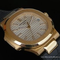 Patek Philippe : Rare and Discontinued Nautilus Ref.5711 J...