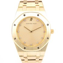 Audemars Piguet Royal Oak Medium Gold with diamonds