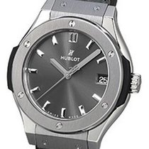 Hublot Classic Fusion 33mm Quarz Racing Grey