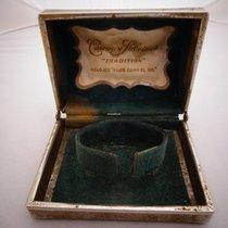 Cuervo y Sobrinos Tradition box