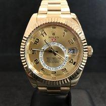 Rolex Sky-Dweller aus 18 kt Gelbgold Ref. 326938