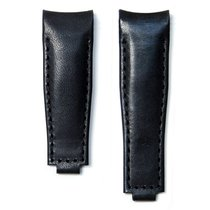 Everest Curved End Leather Strap With Deployant Buckle - Black