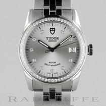 Tudor Glamour 36