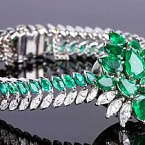 IWC VINTAGE  1940 PLATINUM EMERALD DIAMOND CONCEALED LADIES