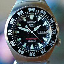 Seiko 5 Steel 40mm Black