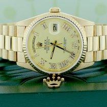 Rolex Day-Date 36 ESW21643110 Очень хорошее Желтое золото 36mm Автоподзавод