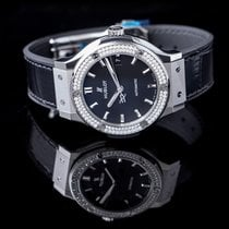 Hublot Classic Fusion 45, 42, 38, 33 mm new 2019 Automatic Watch with original box and original papers 565.NX.1171.LR.1104